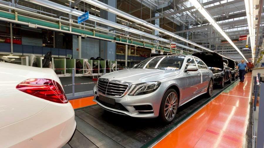 Optimierung von Fertigungsprozessen in der Automobilindustrie mithilfe der Simulation diskreter Ereignisse