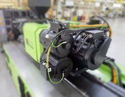ENGEL-Spritzgussmaschine. Mit MATLAB und Simulink konnte die Entwicklung von Steuerungen für Spritzgussmaschinen beschleunigt werden.