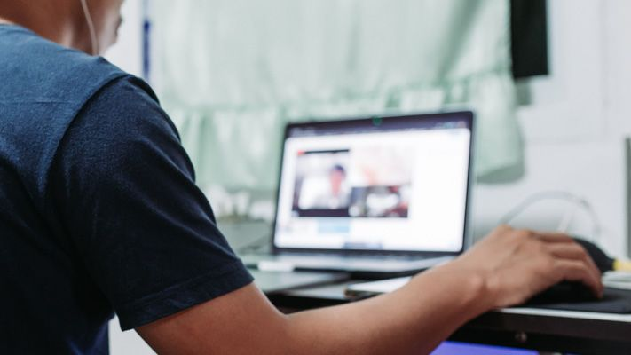 Sessions de groupes lors d'un événement en ligne