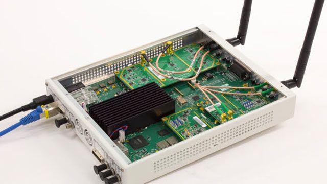 Carte SDR USRP utilisée pour recevoir des trames de balise OFDM 802.11
