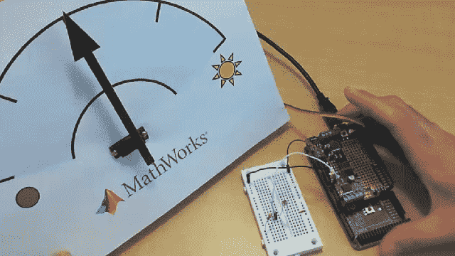 Explore how you can start building Arduino projects with MATLAB Support Package for Arduino Hardware. Design an algorithm in MATLAB to read your Arduino's inputs and control its outputs based on the logic you specify.
